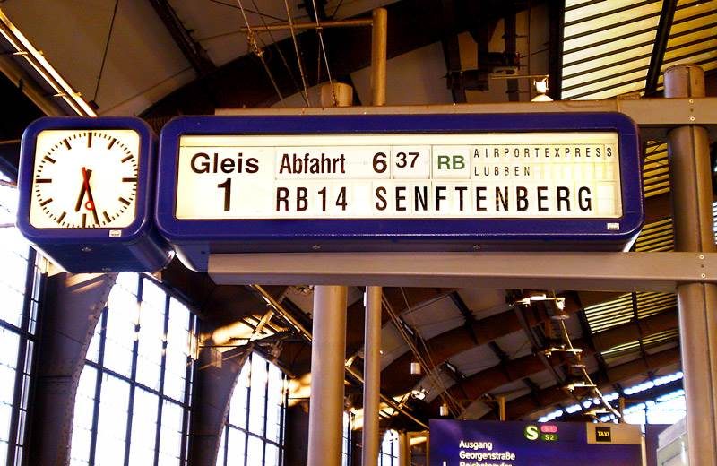 Sign in German at a S-Bahn | The Invisible Tourist