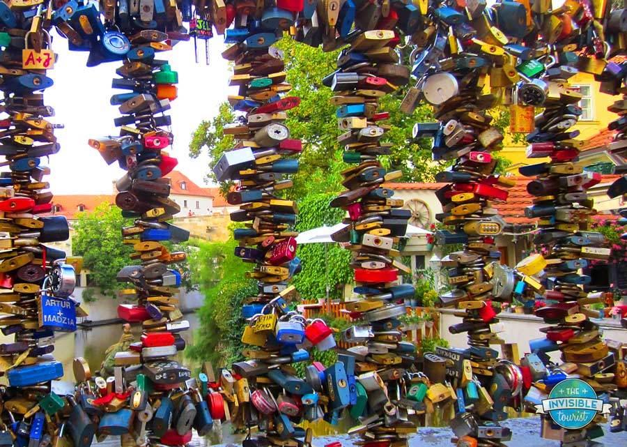 Pourquoi je ne laisserai jamais de serrures d'amour à Paris (ou n'importe où) • Le touriste invisible