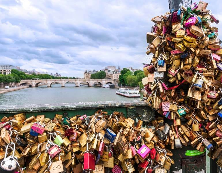 Ethical tourism means to refrain from leaving love locks that can cause structural damage to historical attractions