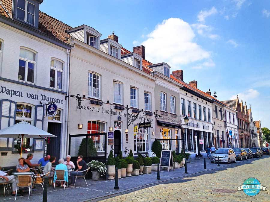 Gorgeous cafes and boutiques in Damme