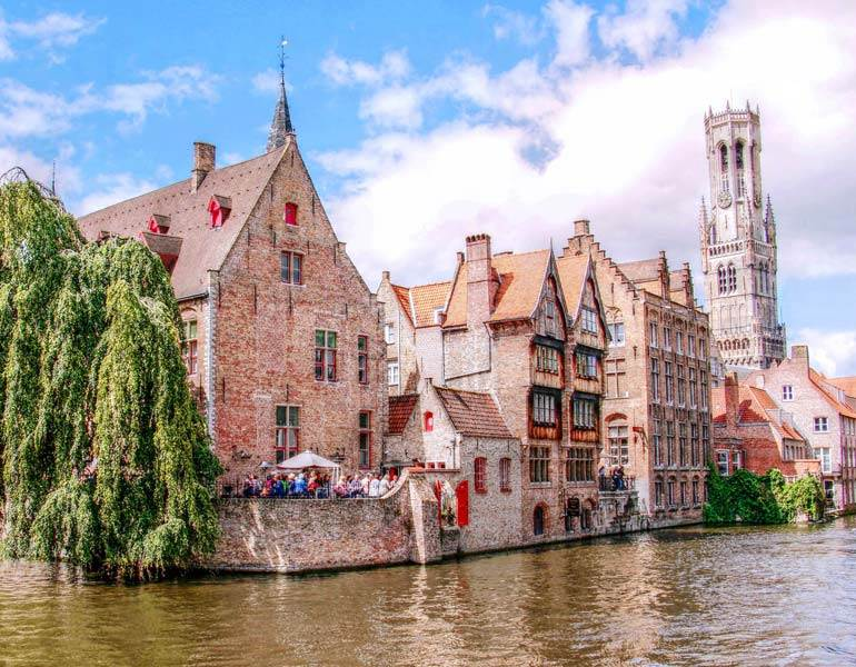 Spend a Long Weekend in Bruges With This 3 Day Fairytale Itinerary