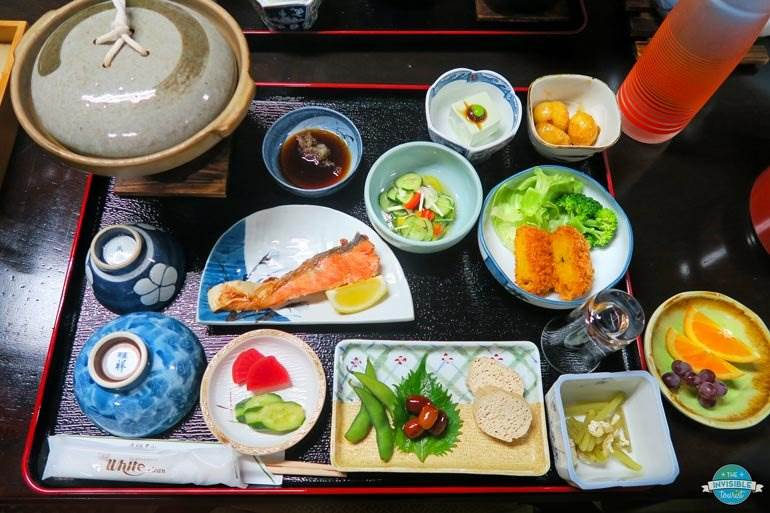 Where to stay in Takeyama: Minshuku Iwatakan