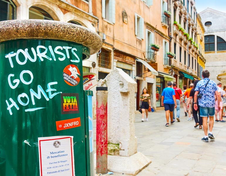 How to Be a Responsible Tourist? 16 Effective Tips for Ethical Tourism