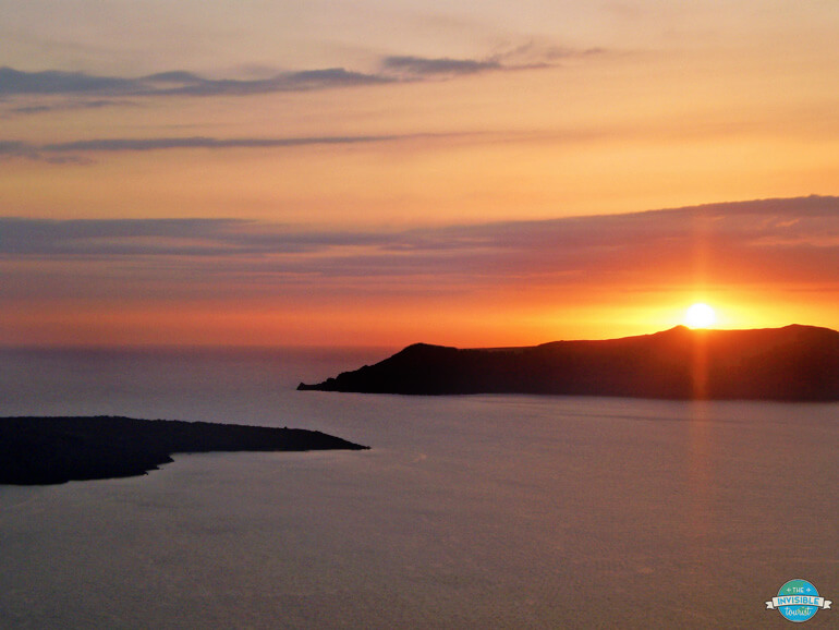 Reasons to visit Greece? Unforgettable Sunsets